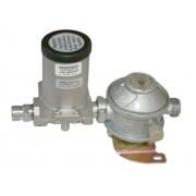 Gas regulator with solenoid